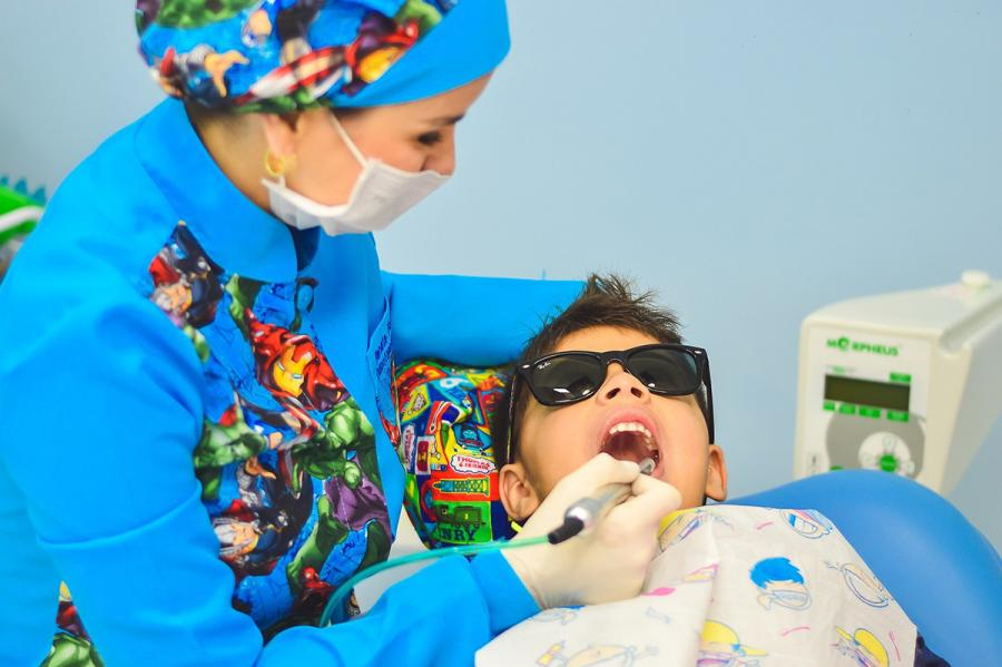 Should you buy toys for your pediatric dental patients? A large new study says yes.